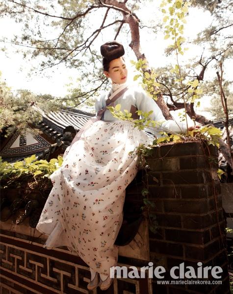 hanbok top by Baek Oak-Soo (한국의상 백옥수); skirt and shoes by Tchai Kim Young Jin (차이 김영진); Marie Claire Korea, June 2012