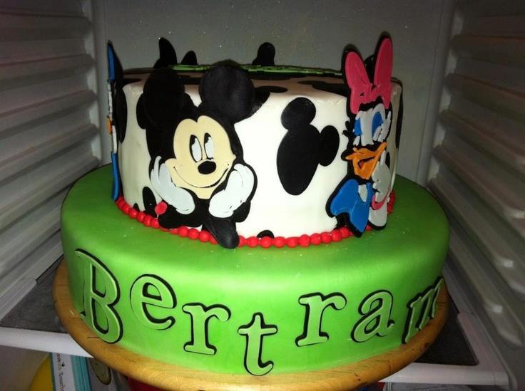 Mickey fondant cake
