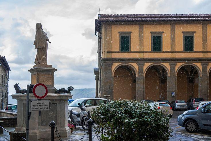 Кортона,  Тоскана, Италия.  Средневековый  город  дожил  до  наших  дней.  alkopona