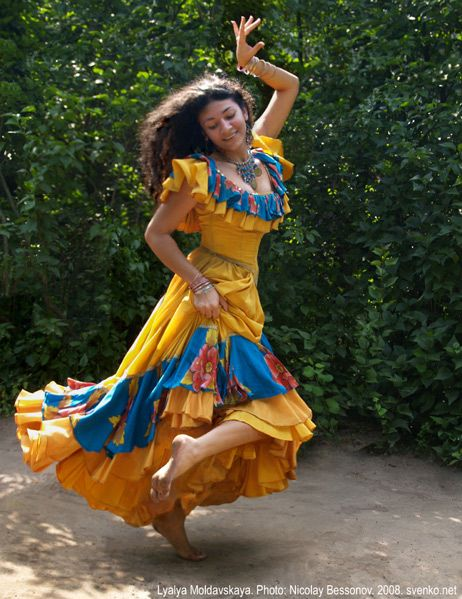 gypsy girls nude dancing