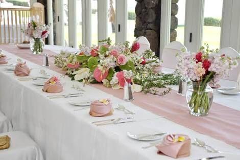 「長テーブル 装花」の画像検索結果