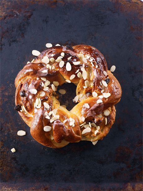 Apricot Couronne | Paul Hollywood