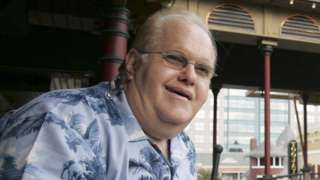 Image copyright                  AP Image caption                                      Pearlman was jailed for 25 years in 2008 over a massive Ponzi fraud scheme                                American boy band mogul Lou Pearlman has died in prison at the age of 62. Pearlman launched the careers of the Backstreet Boys, the best-selling boy band of all time, and NSync, among others. He was jailed for 25 years in 2008 over a massive $300m (£15