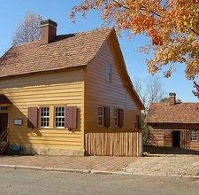 Colonial Style Decorating Ideas: http://www.ehow.com/way_5162303_colonial-style-decorating-ideas.html