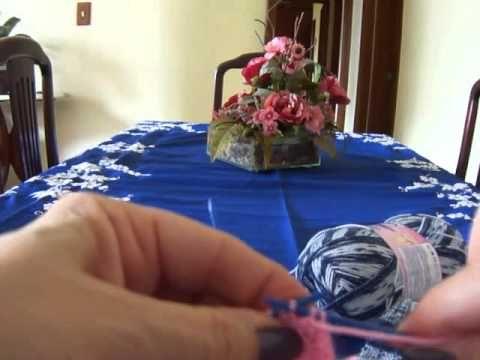 ▶ Novo video 1 de 2 -Vídeo Aula meia de tricô para bebê Parte 1 - YouTube