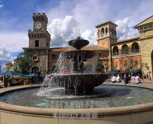 """Fountain at entrance to """"Monte Casino"""" Johannesburg"""