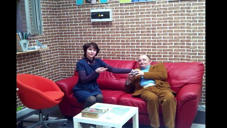 Красный диван в Казань, пожалуйста!