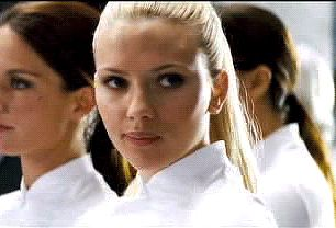 Scarlett Johansson - The Island (2005) (306×208)