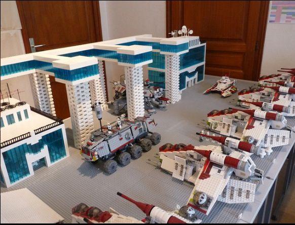 Lego star wars clone base not mine lego 39 s for Star wars kinderzimmer