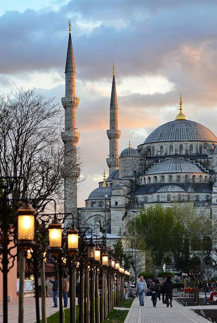 Blue Mosque - Sultanahmet #blue #mosque #sultanahmet #camii #istanbul #mustsee #sultanahmet