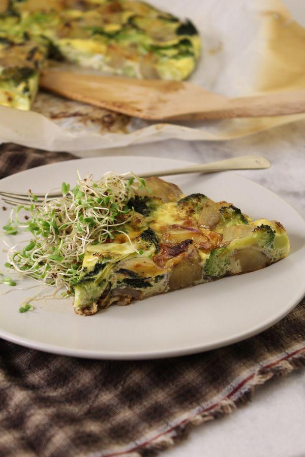 Fritada de batata-doce e brócolis, uma opção assada para a tradicional fritada feita nas frigideiras, e um tanto difíceis de virar!
