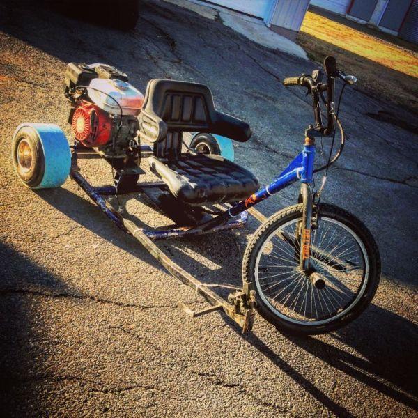 drift trick hone made avec un moteur de 6hp ! fonctionne tres bien! roues de go kart, speedometre et vien avec 10pied de tuyo de pvc de rechange
