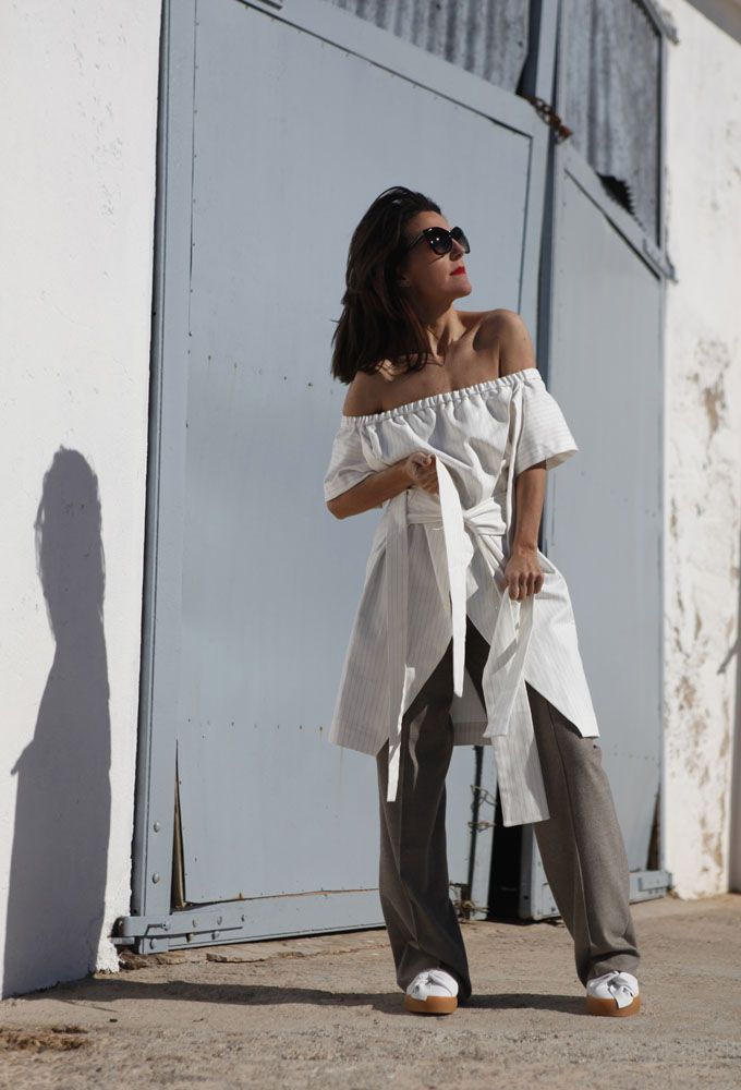 Minimal touch for today´s look. Because less is more an …