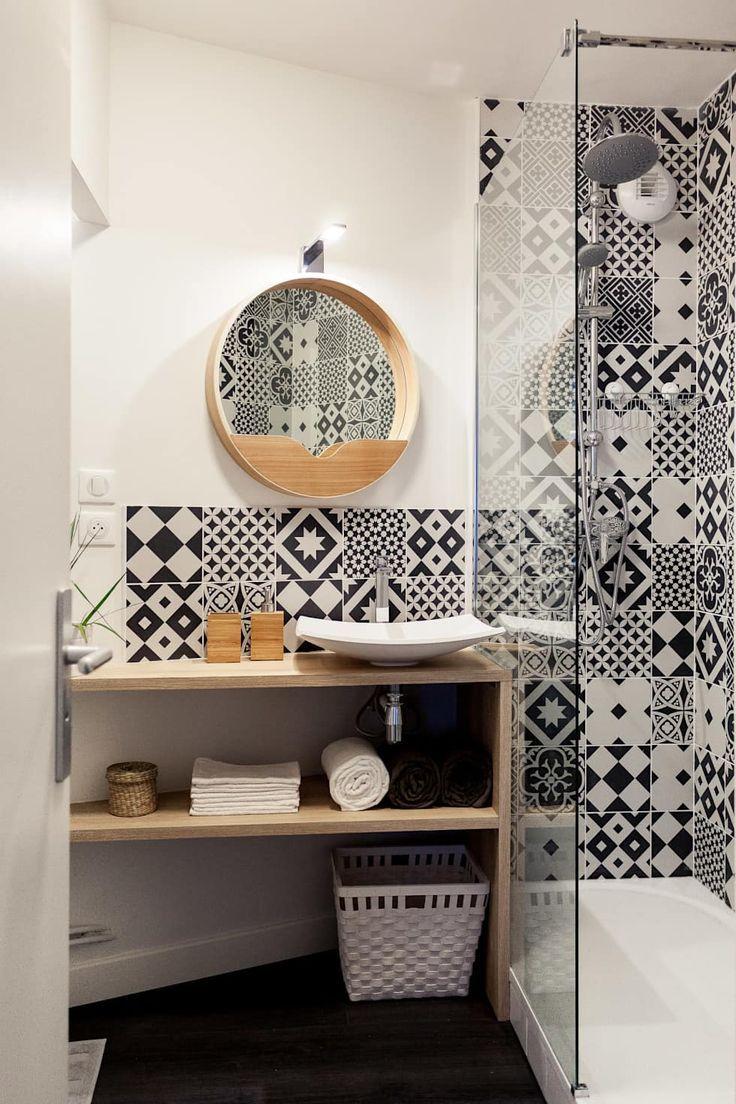 Rénovation complète d'un appartement de 30m²: salle de bains de style par madam architecture – Mégane Lesueur