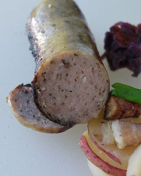In this episode:  Oktoberfest bratwurst recipe.   October, the shank of the year.  For the past couple of weeks we've had such wonderful w...