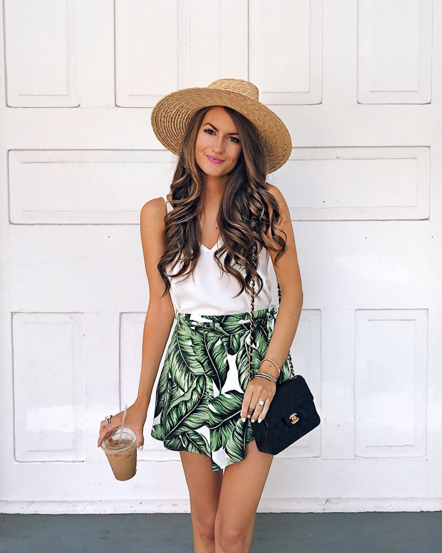 Off the shoulder top, cut off denim shorts, sun hat, boho style, festival style, what to pack for the beach