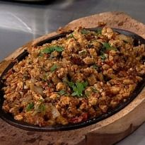 Quick and Easy Chicken Recipe: Tawa Tadka Keema, #chicken mince cooked with ginger-garlic, onions, tomatoes and spices.