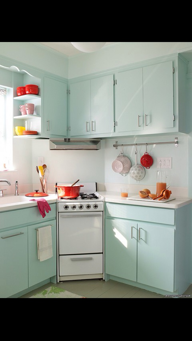 97 best 50s kitchen images on pinterest retro kitchens for Cute yellow kitchen ideas