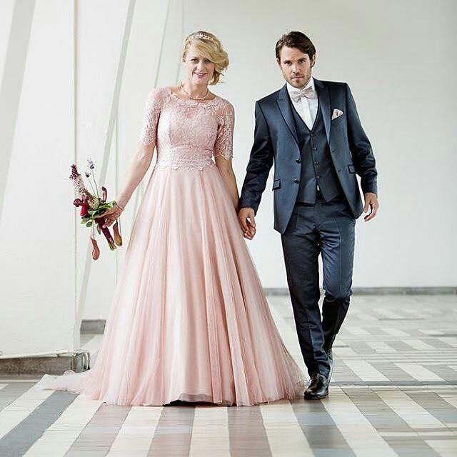 @bruidscollectie - Perfect  @jolienvandenelsakker - #WeddingVendors #Weddings #Bride