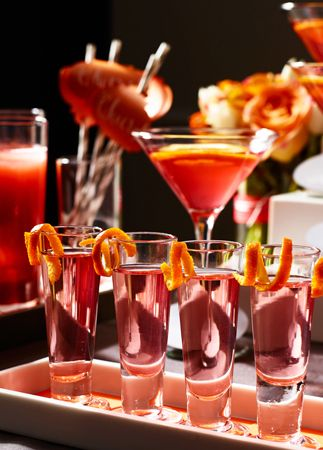 7 Steps To An Elegant Fall Wedding:  #4. Add glam garnishes to all of your fall wedding cocktails.