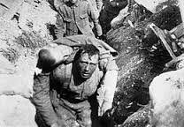 De slag aan de Somme was van 1 Juli tot 18 November 1916. de Landen Engeland, Duitsland en Frankrijk deden mee aan deze slag. Deze veldslag zorgde voor geen terreinwinst voor geen enkel land.