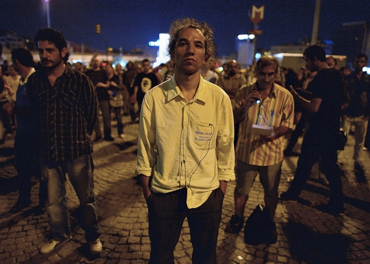 'Standing Man' goes viral, inspires silent protests in Turkey (Photo: Vassil Donev / EPA)