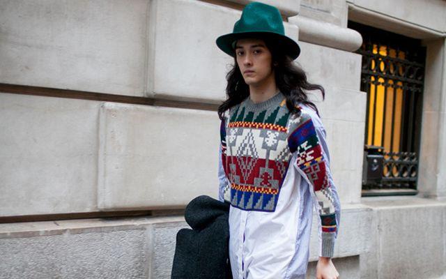 パリで行われた2016-17年秋冬パリ・メンズ・ファッションウイーク会場から、最新のストリートスナップをお届け。「ウミット・ベナン(UMIT BENAN)」のランウェイに登場したモデルの栗原類や、ラッパーのエイサップ・ロッキー(A$AP Rocky)、オリヴィエ・ルスタン(Olivier Rousteing)「バルマン(BALMAIN)」クリエイティブ・ディレクターをキャッチした。