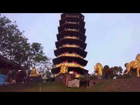 Vihara Ekayana Pagoda Indah Dari Sulawesi Utara - Sulawesi Utara