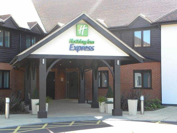 Colchester Holiday Inn Express Colchester United Kingdom, Europe Ideally located in the prime touristic area of Colchester, Holiday Inn Express Colchester promises a relaxing and wonderful visit. Featuring a complete list of amenities, guests will find their stay at the property a comfortable one. Facilities like 24-hour room service, facilities for disabled guests, Wi-Fi in public areas, car park, meeting facilities are readily available for you to enjoy. Designed for comfort...