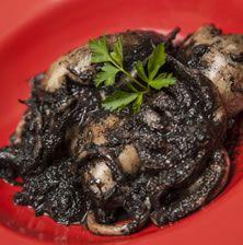 Ένα από τα πιο νόστιμα ελληνικά φαγητά που όσοι αγαπάνε τη θάλασσα στην κυριολεξία το λατρεύουν. Η επιτυχία του βασίζεται στην χυλωμένη σάλτσα του