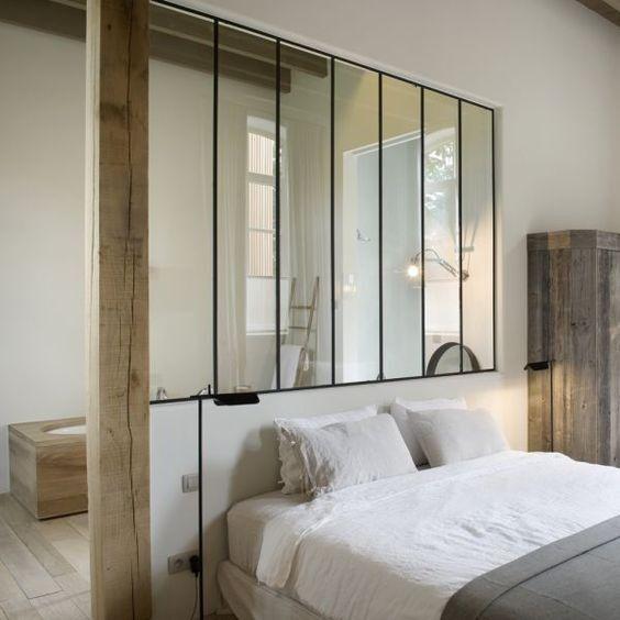 Verrière salle de bain suite parentale romantique – Plante le décor