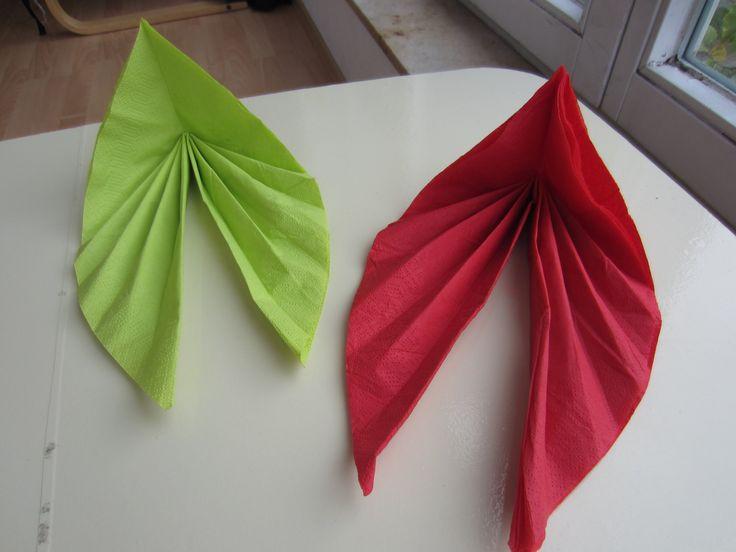 die besten 17 ideen zu servietten falten einfach auf pinterest weihnachts servietten. Black Bedroom Furniture Sets. Home Design Ideas