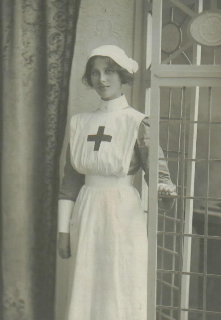 Love old nurse photos.
