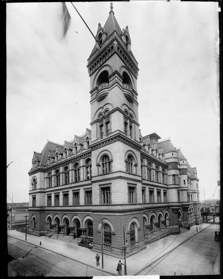 What a beaut! This picture of the Federal Building in Brooklyn Heights, housing a post office and courthouse, reminds us how open and expansive the city used to be. We're not sure when this pic was snapped, but we know it must be sometime between 1891 when it was constructed and 1933 when a 7-story addition was built. Despite these changes, the exquisite Romanesque Revival architecture still looks lovely today. #nyhistory #Brooklyn #buildings #nofilter