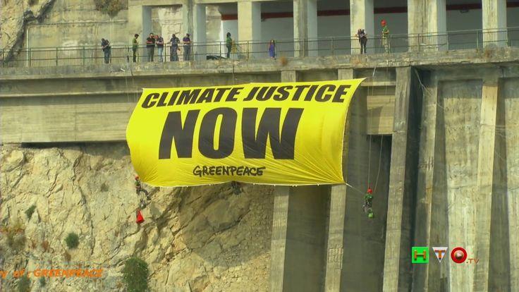 Attivisti di GREENPEACE in azione al G7 di Taormina - www.HTO.tv