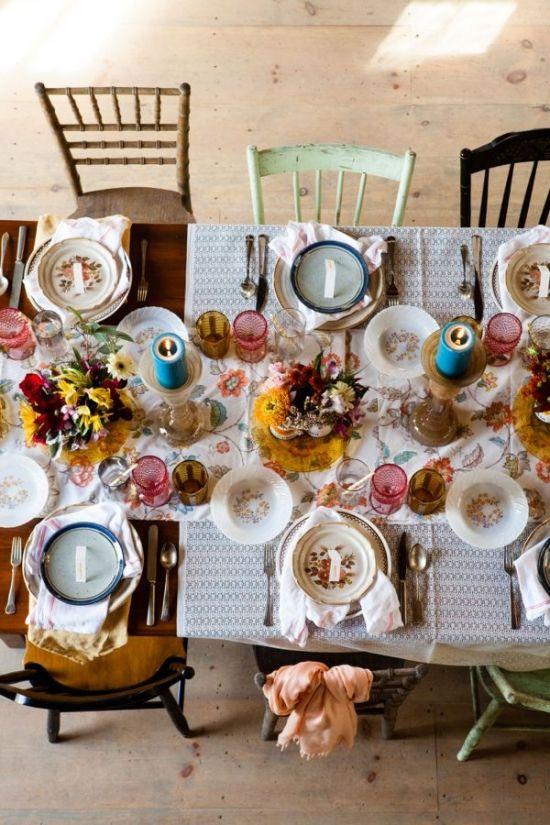 folky wedding ideas and decor #weddingreception #tablescape #weddingchicks http://www.weddingchicks.com/2014/04/10/new-england-wedding-venue/