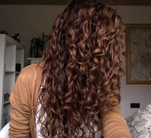 Gorgeous natural curl - why dont mine look like this?