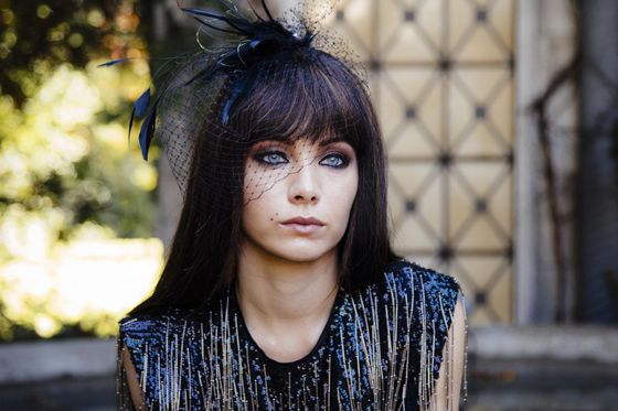 turn looks like our girl from Lost Girl has a new show ... Happy but sad at the same time :( #LostGirl #Kenzi