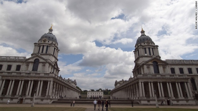Sir Christopher Wren's beautiful baroque buildings in Greenwich include the twin domes of the Painted Hall and Chapel of Saints Peter and Paul.