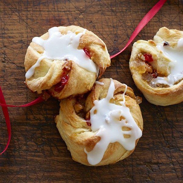 Traditional Christmas Desserts From Around the World: Rosca de Reyes Recipe #Hallmark #HallmarkIdeas