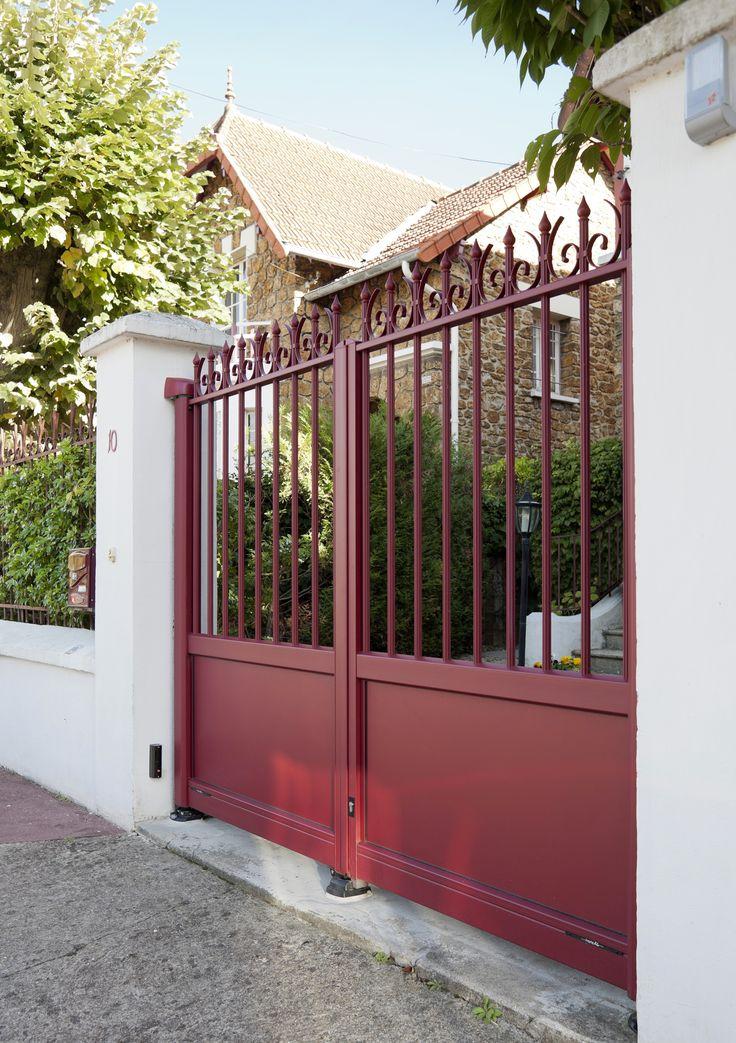 les 9 meilleures images du tableau portail aluminium style fer forg sur pinterest portail. Black Bedroom Furniture Sets. Home Design Ideas