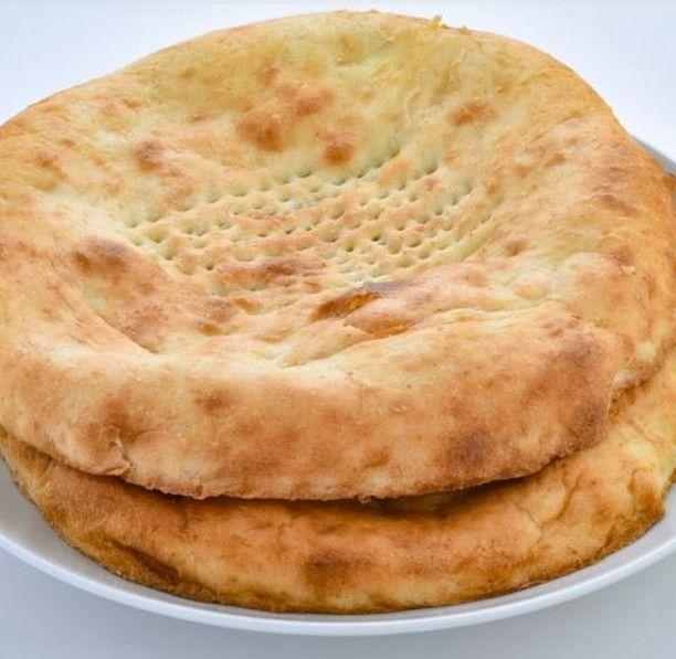 مطبخ سيدتي On Instagram وصفة خبز مناسبة لأجواء يوم الجمعة إليك سيدتي طريقة عمل التميس بالجبن في 30 دقيقة فقط حضريها وزيدي لمة ا Food Recipes Bread Cake