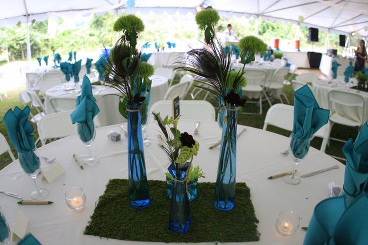 Aquamarin als Servietten und Tischläufer für die Hochzeit