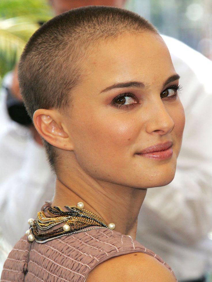 вывезли город любящая красотка побрила голову познакомилась два года