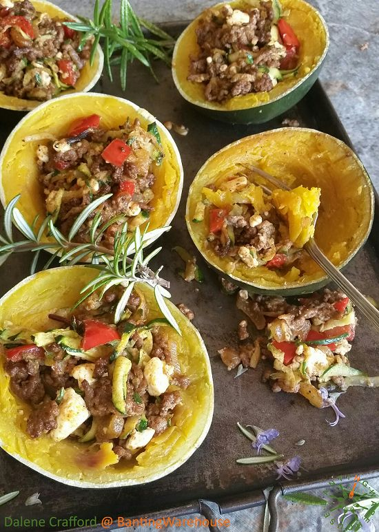 Gem Squash with Greek Mince Filling (Banting / LCHF)