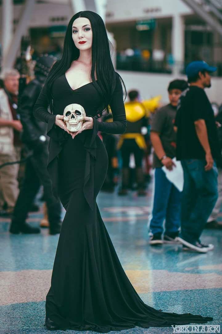 Morticia Addams Costume, Morticia Addams