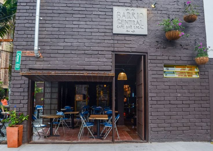 front view - Barrio Central Cafe Bar #BarrioCentralCafeBar #pub #local #SanJoaquin #Laureles #La70 #BarrioCentral #Cafe #Bar