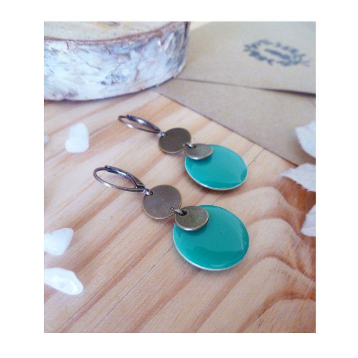 ▲ NEPHIE ▲ Boucles d'oreilles fantaisies, pendentif bronze & médaillon vert émeraude ! : Boucles d'oreille par elora