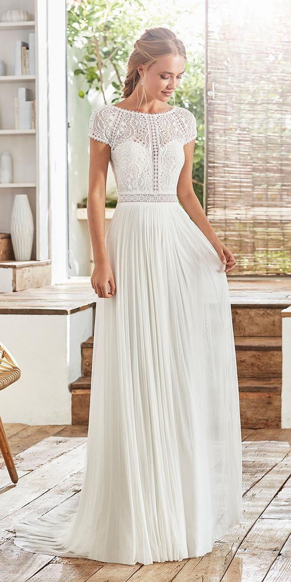 60 Trendy Wedding Dresses For 2020 2021 Wedding Dresses Guide Trendy Wedding Dresses Wedding Dresses Dress Guide