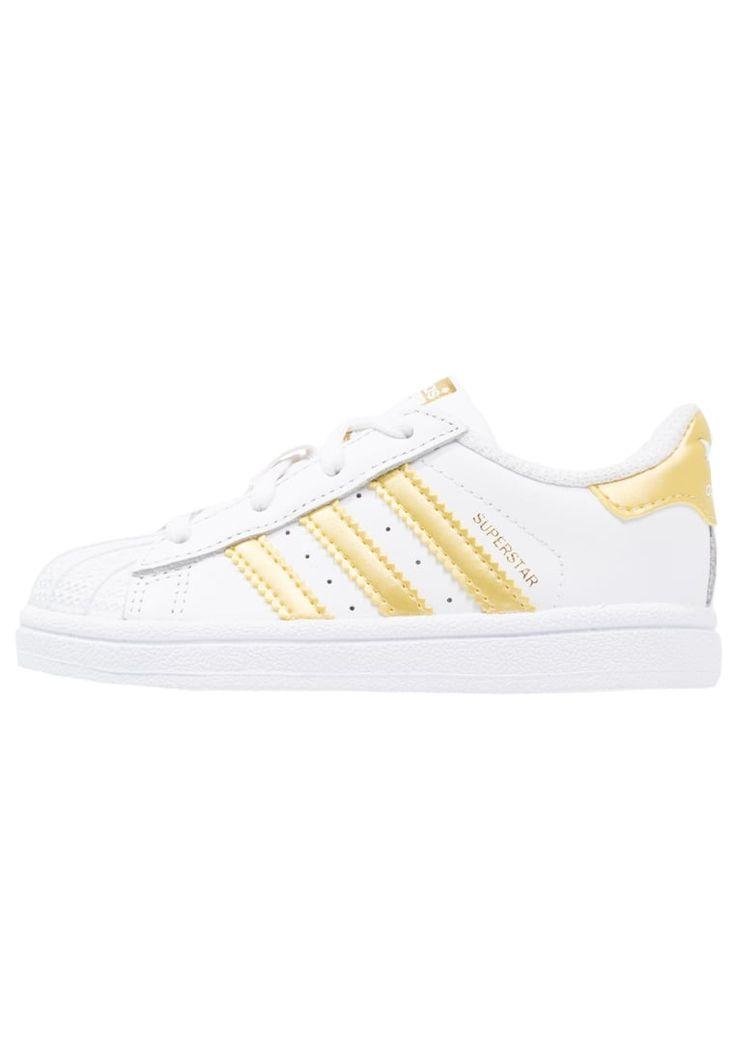 Tilaa ilman lähetyskuluja adidas Originals SUPERSTAR - Vauvan kengät - white/gold metallic : 59,95 € (14.3.2017) Zalando.fi-verkkokaupasta.